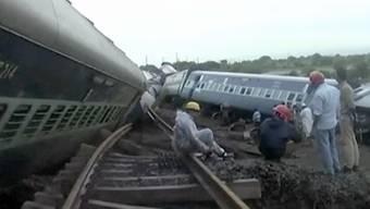 Beim Zugunglück im zentralindischen Bundesstaat Madhya Pradesh sind 24 Menschen ums Leben gekommen.