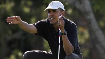 Obama beim Golfen auf der Insel Martha's Vineyard (Archivbild).