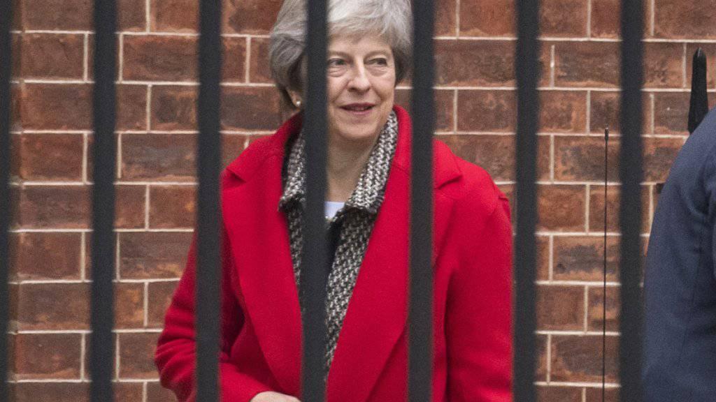 Die britische Premierministerin Theresa May hat am Freitag in London erneut ihren mit der EU ausgehandelten Brexit-Plan verteidigt.