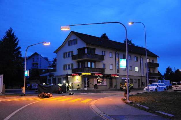 Bei der Dorfmetzg kam Richtung Aarau fahrend ein VW Golf auf die Gegenfahrbahn