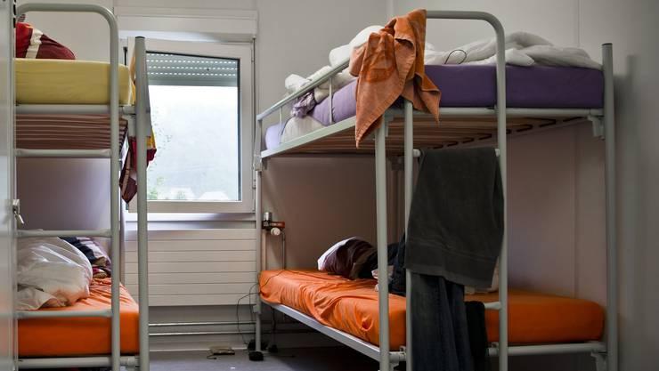 Hier im Bild: Das Zimmer von vier Jungesellen in der Asylunterkunft Birmensdorf.