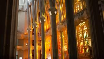 Innenansicht der noch im Bau befindlichen Basilika Sagrada Familia vom spanischen Architekten Antoni Gaudi. Foto: David Zorrakino/EUROPA PRESS/dpa