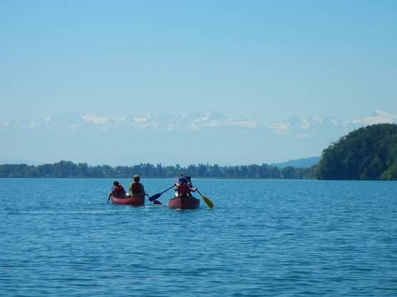 Er organisiert Kanutouren auf (fast) allen Gewässern in der Schweiz.