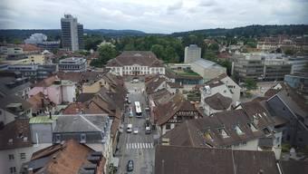 Blick vom Oberturm auf das Regierungsgebäude und die Vordere Vorstadt.