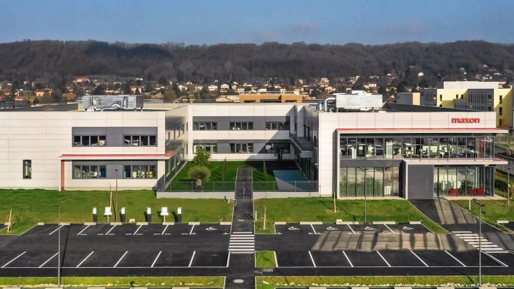 10 Millionen Euro investiert: Das neue Produktions- und Innovationszentrum des Obwaldner Unternehmens Maxon in Frankreich.