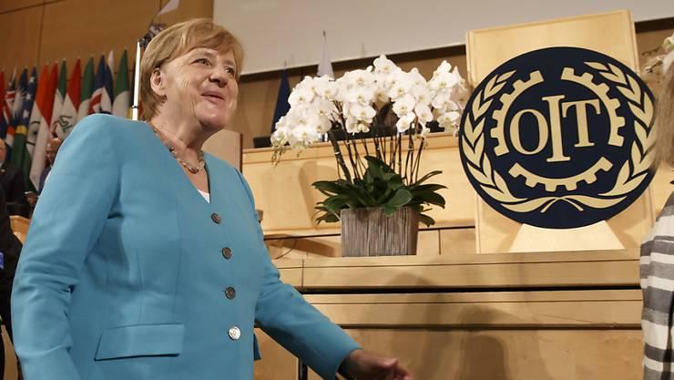 Wirtschaft soll dem Menschen dienen: Die deutsche Kanzlerin Angela Merkel nach ihrer Ansprache an der 100. ILO-Versammlung in Genf.
