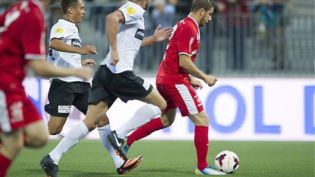 Giuseppe Morello vom FC Biel stürmt auf das Tor des FC Wil.
