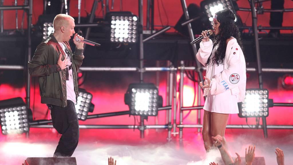 Rihanna verprügelt: Eminem verteidigt Chris Brown