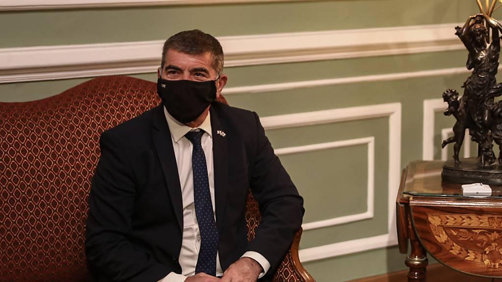 Gabriel Aschkenasi, Außenminister von Israel, nimmt an einem Treffen mit dem ägyptischen Außenminister Schukri teil. Foto: Mohamed El-Shahed/dpa