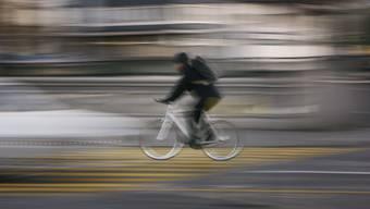 Schnelle Routen für Radfahrer sind einer der Streitpunkte zwischen Zürichs Stadtparlament und dem Regierungsrat.