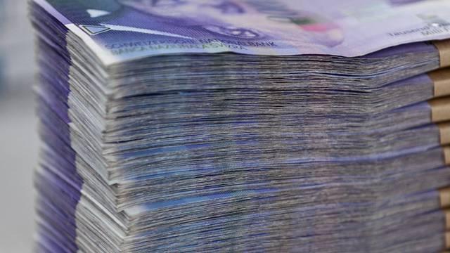 """120'000 Franken ergaunterten die Betrüger mit dem """"Enkeltrick"""" (Symbolbild)"""