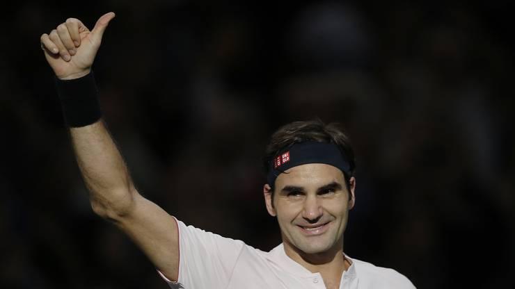 Federer bedankt sich bei den Fans in Paris für die Unterstützung und freut sich über den Viertelfinal-Einzug.