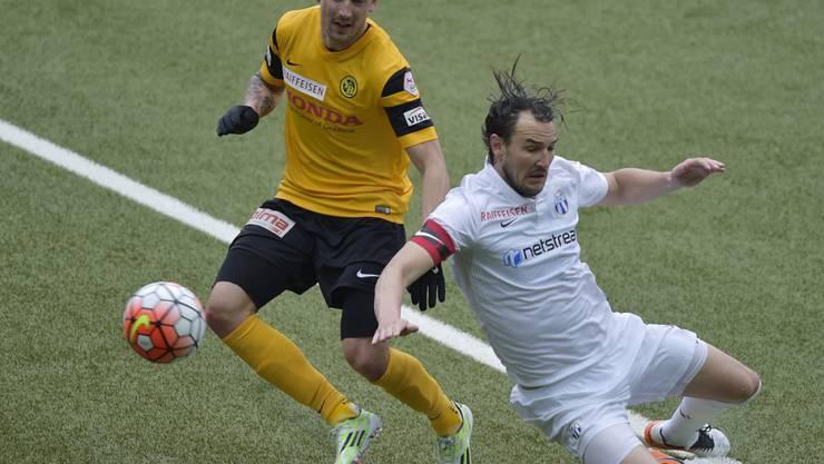 Ein Bild mit Symbolcharakter: YB (Alexander Gerndt, links) behauptet sich gegen den FC Zürich (Alain Nef)