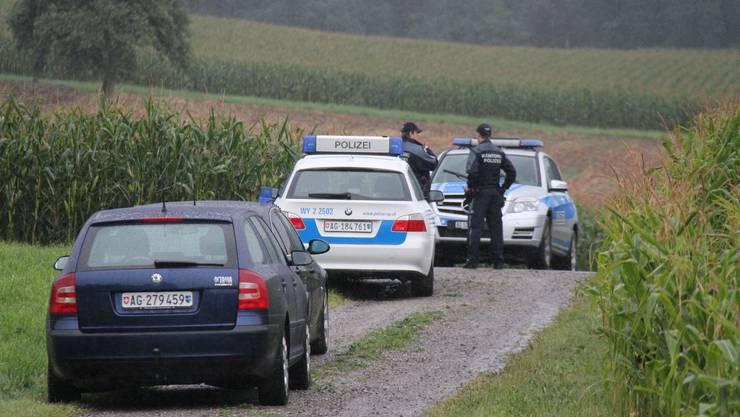 Die Polizei hatte das Maisfeld umstellt