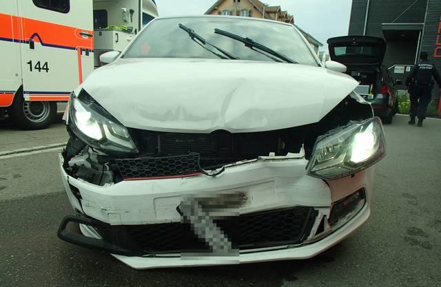 Der zerstörte Wagen des Unfallverursachers.