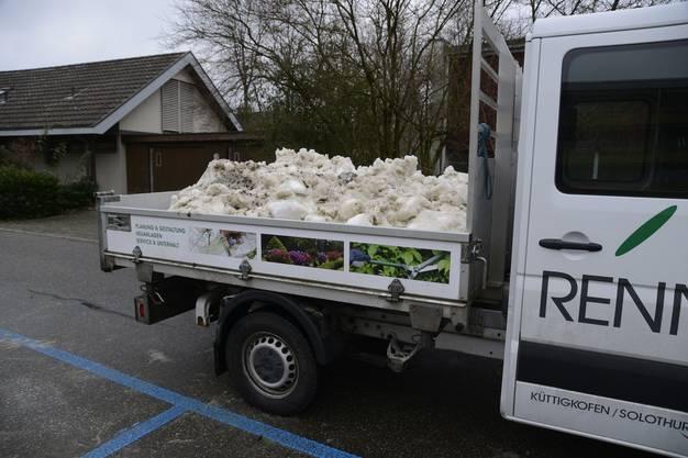 Für einen Werbeclip wurde echter Schnee nach Biberist transportiert.