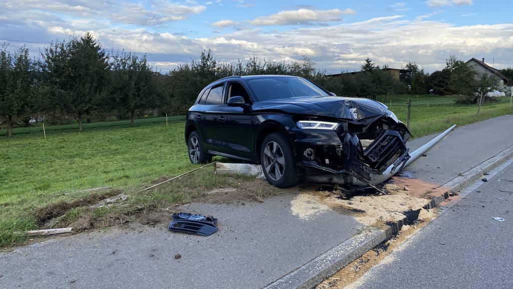 Neulenker (18) schläft ein – und fährt Audi zu Schrott