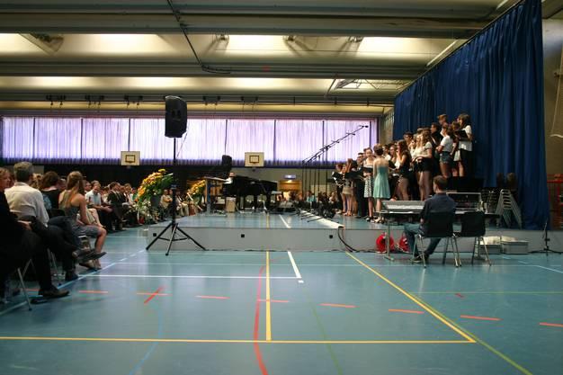 Der Chor der Kantonnschule sang