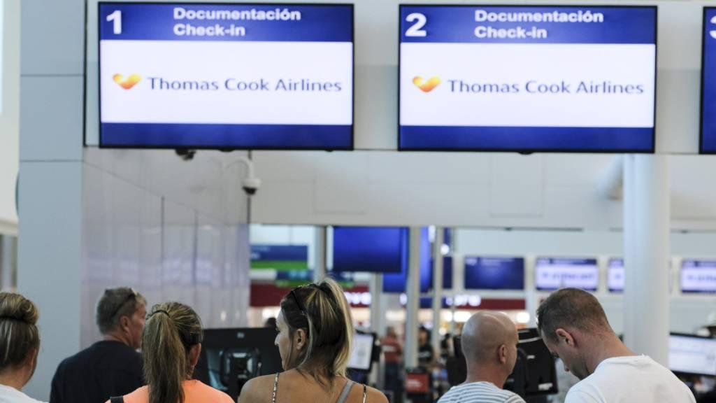 Nach der Insolvenz von Thomas Cook müssen sich Kunden des Reiseveranstalters auch noch vor Abzocke durch betrügerische E-Mails wappnen. (Archivbild)