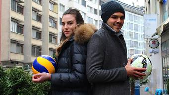 Lucija und Frano Mlinar (mit ihren jeweiligen Arbeitsgeräten in der Basler Innenstadt) sehen sich beinahe täglich.