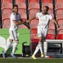 Arthur Cabral (rechts) freut sich mit Samuele Campo über das 2:1