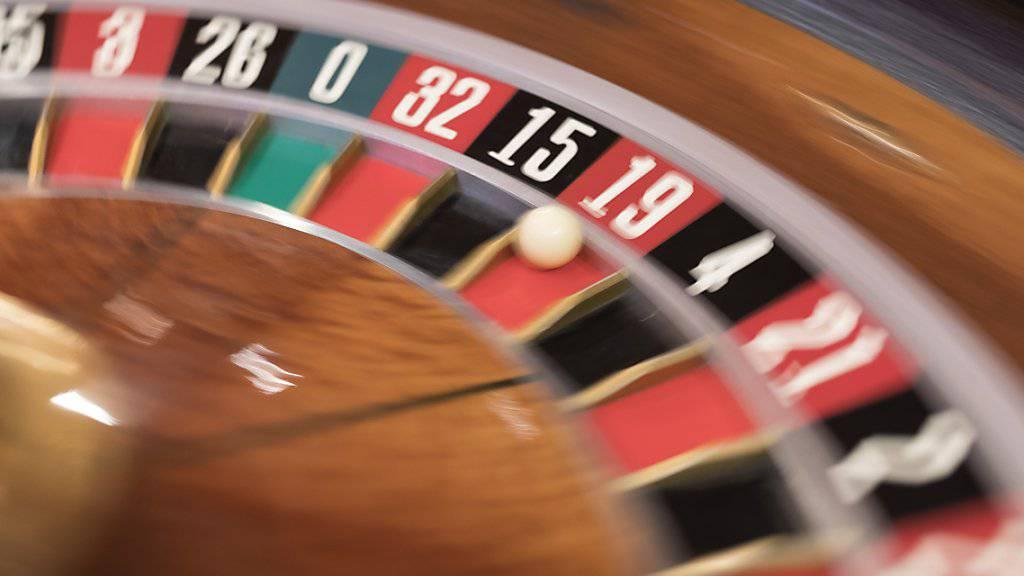 Zocken nicht mehr nur am Spieltisch: Schweizer Casinos dürfen künftig auch Online-Glücksspiele anbieten. (Symbolbild)