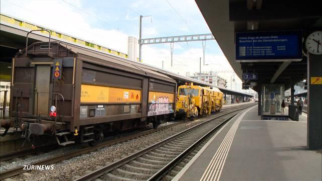 Rangierlok im Bahnhof Oerlikon entgleist