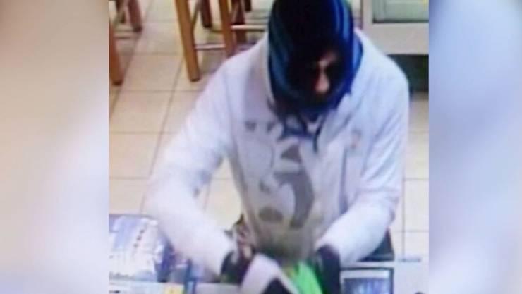 Bei seiner Verhaftung konnten eine kleine Menge Kokain sowie mehrere hundert Franken Bargeld sichergestellt werden.