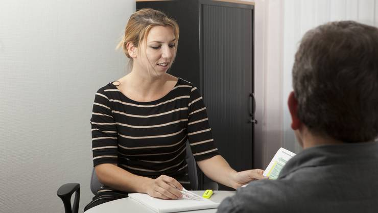 Fühlen sich Beamte beispielsweise von Klienten bedroht, können sie sich schon heute bei einer Fachstelle melden. Diese wird jedoch mit unzureichender Rechtsgrundlage geführt. (Symbolbild)