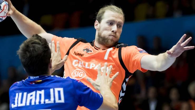 Gabor Csaszar glänzte mit zehn Toren für die Kadetten beim Kantersieg des Finalrunden-Leaders aus Schaffhausen beim BSV Bern