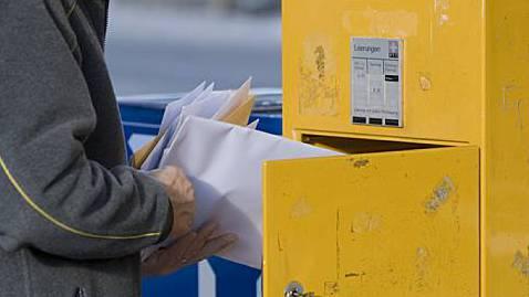 Die Post bleibt im Dorf, und das Dorf erhält einen Laden. (Symbolbild)