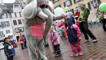 2012 hatten die Kleinsten trotz dem Regen viel Spass am BEKB-Familientag. Ob das Wetter dieses Jahr wohl besser wird?