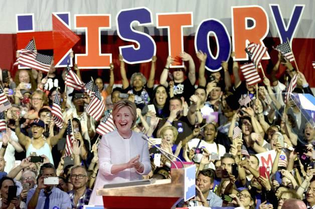 Clinton ist nun die Siegerin der Vorwahlen der Demokratischen Partei und damit Präsidentschaftskandidatin.