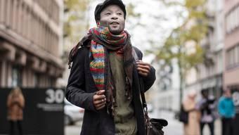 """Mohamed Wa Baile gehört zu den Organisatoren der Mahnwache in Bern. Bekannt wurde er, weil er sich gegen eine Polizeikontrolle wehrte, die er als """"Racial Profiling"""" bezeichnet."""