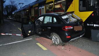 Auto fährt in Bipperlisi – Sachschaden beträgt mehrere 10'000 Franken