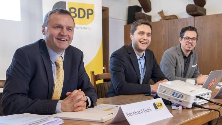 BDP-Nationalrat Bernhard Guhl mit den Vizepräsidenten Philippe Tschopp und Lukas Wopmann (von links) bei der Lancierung der Amtsenthebungsinitiative – der Sammelbeginn war im März.