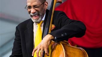 Ron Carter: Der Bassist mit den vermutlich längsten Fingern des Jazz.
