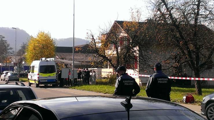 In diesem Haus an der Landstrasse in Gipf-Oberfrick kam es zum Tötungsdelikt.