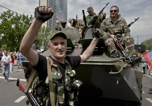 Pro-russische Kräfte in Donetsk.