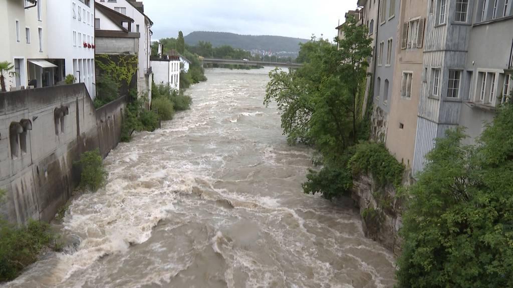 Angespannt: Flüsse treten über die Ufer, die Hochwasserlage bleibt heikel