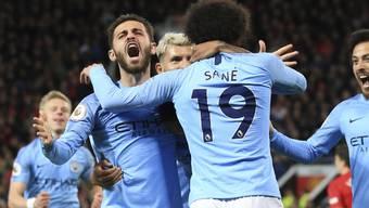 Jubel über einen weiteren Schritt Richtung Meistertitel: Leroy Sané (Nummer 19) entschied das Derby für Manchester City mit dem 2:0