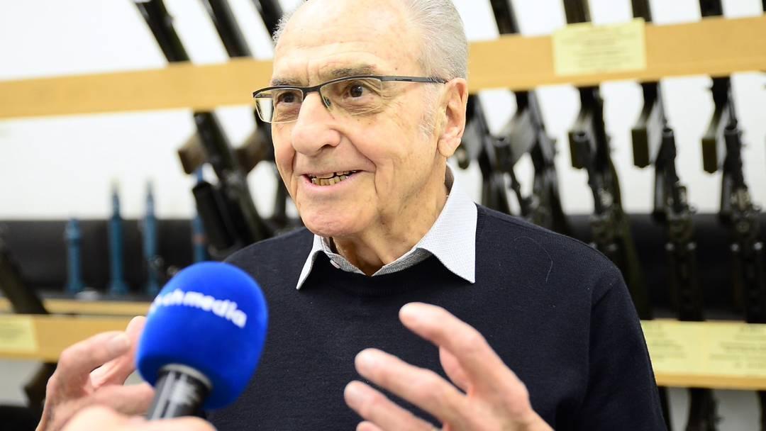 Entwickler des Schweizer Sturmgewehrs: «Man will den Schweizer Bürger entwaffnen»