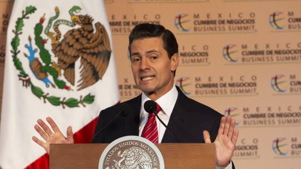 Videobotschaft: Mexikos Präsident Enrique Peña Nieto hat am Freitag den Migranten der Flüchtlings-Karawane die Unterstützung seines Landes zugesagt.