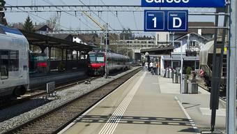 Wegen Lokführermangels reduzieren die SBB das Angebot auf der Linie zwischen Sursee und Olten. (Archivbild)