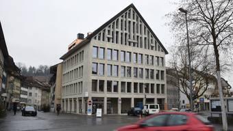 An der Schulthess-Allee 1 in Brugg befinden sich die Büros des Verbands «Soziale Dienstleistungen Region Brugg». mhu