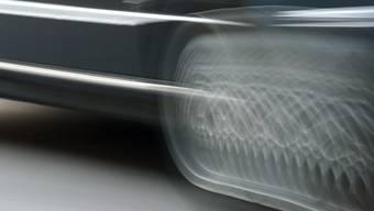 Ein Raser war am Samstagmorgen auf der Autobahn A1 bei Wiesendangen ZH mit 220 Kilometern pro Stunde (km/h) unterwegs.