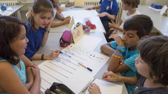 Die Anzahl der Schüler wird im Kanton Basel-Stadt stark zunehmen – die Klassengrössen sollen aber unverändert bleiben. (Symbolbild)