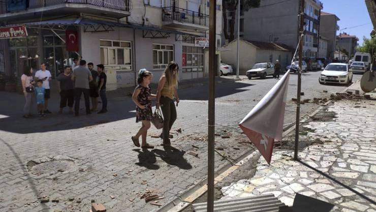 Menschen in der Stadt Bozkurt: In der türkischen Provinz Denizli hat ein Erbeben die Menschen in Angst versetzt.