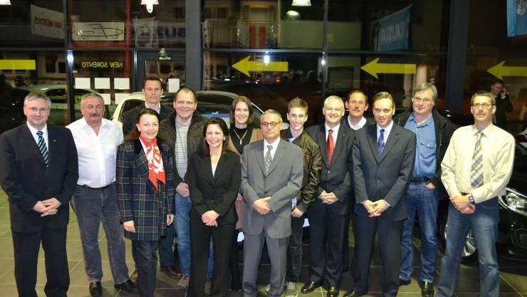 15 der 16 Kandidaten und Kandidatinnen der SVP Bezirk Bremgarten; auf dem Bild fehlt die Berikerin Flavia Biffiger.