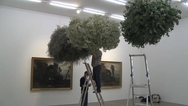 «Eine Herausforderung»: 16 Meisterfloristen aus der ganzen Schweiz deuten mit ihren Pflanzen und Blumen Werke aus der Sammlung des Aargauer Kunsthauses.
